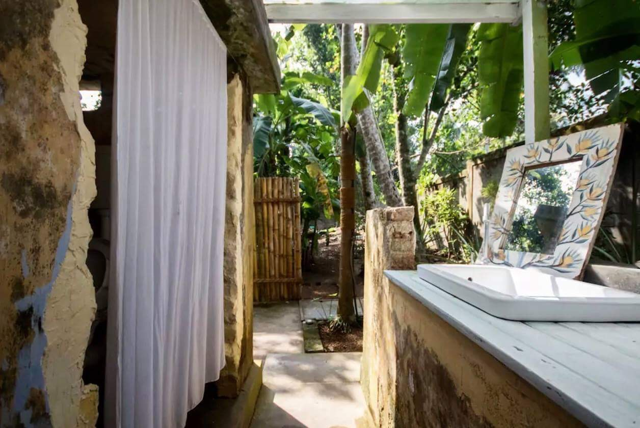 surf, yoga & vegan resort in Sri Lanka